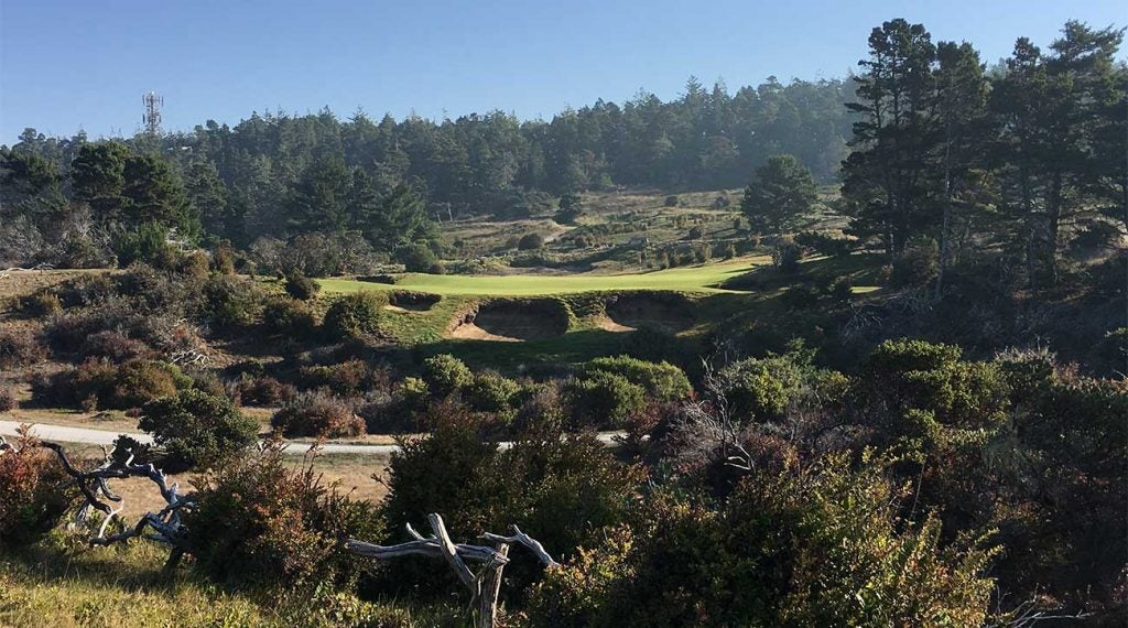 A look at the par-3 5th hole at Bandon Trails in Bandon, Ore.