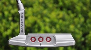 "Scotty Cameron added ""cherry rings"" to the cavity of the Special Select."