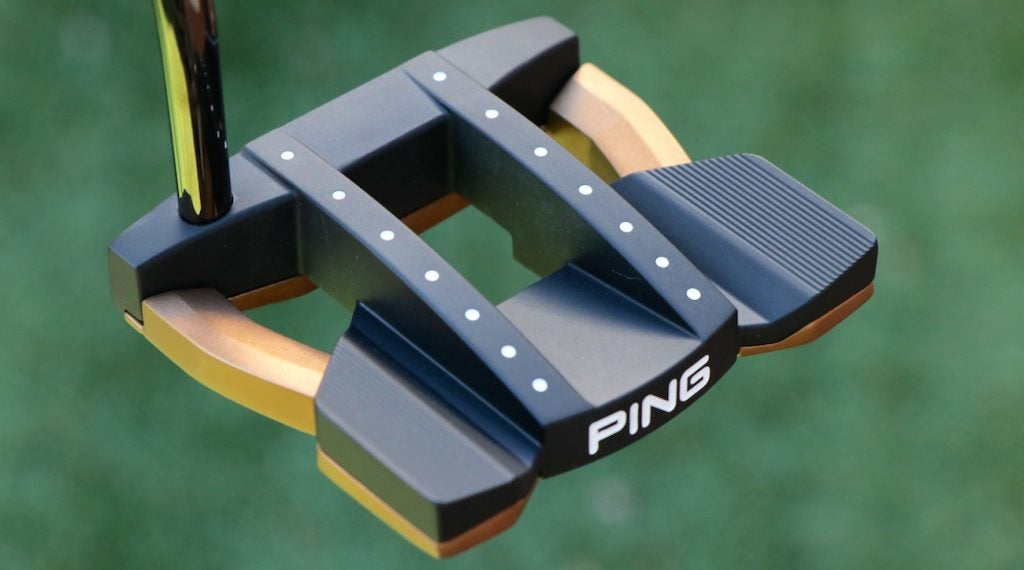 The Heppler Tomcat 14 putter uses both steel and aluminum in its high-MOI mallet design.