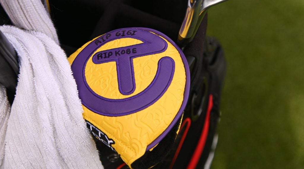 Justin Thomas pays tribute to Kobe and Gigi Bryant on his Scotty Cameron headcover.
