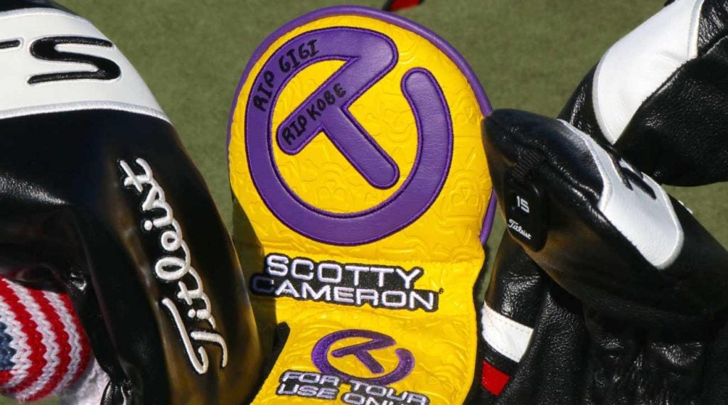 Justin Thomas' new putter cover honors Kobe Bryant and his daughter Gianna, who both died in a helicopter crash on Sunday.