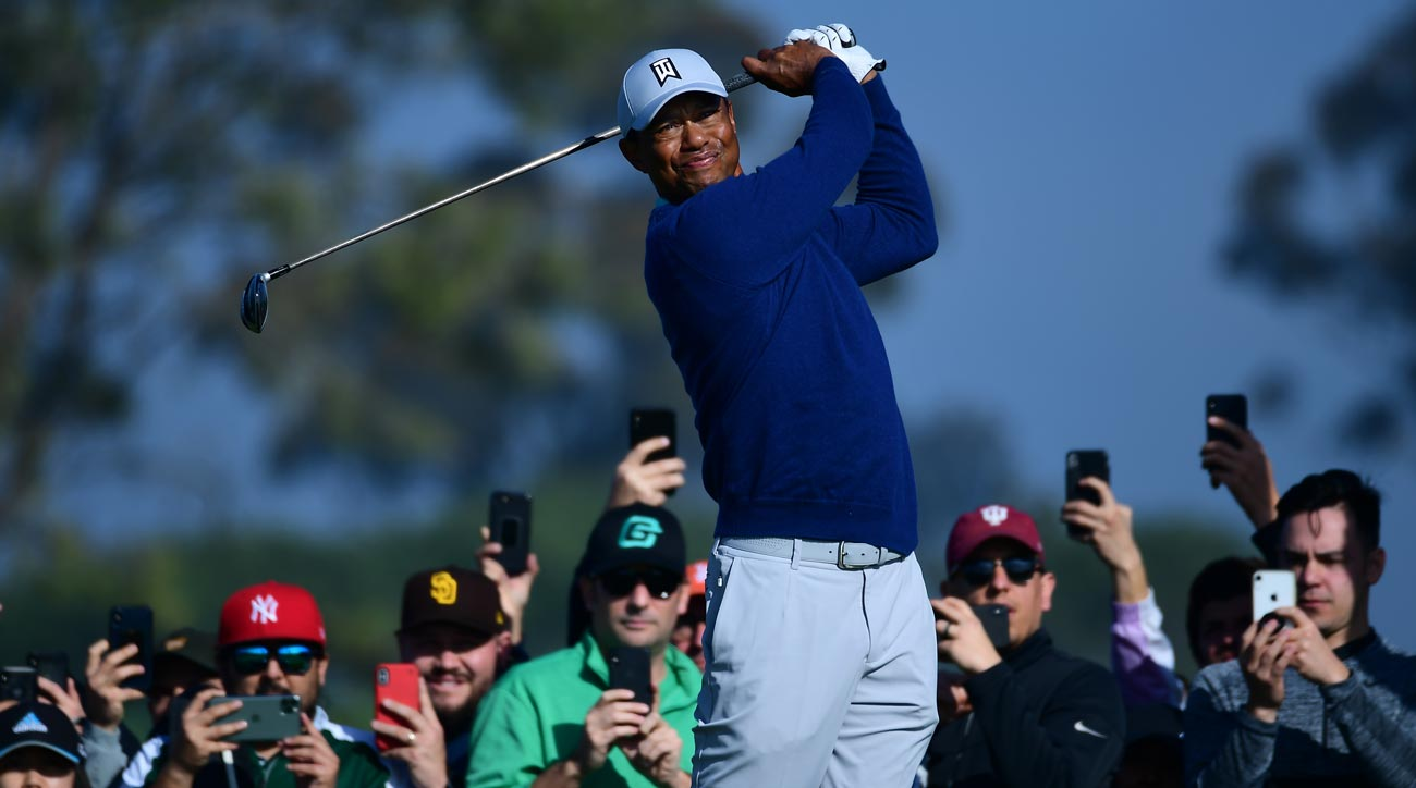 tiger woods eyes lead after hot start saturday at farmers insurance open