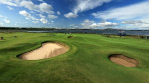 The 11th at St Andrews is the origin of the Eden hole design.