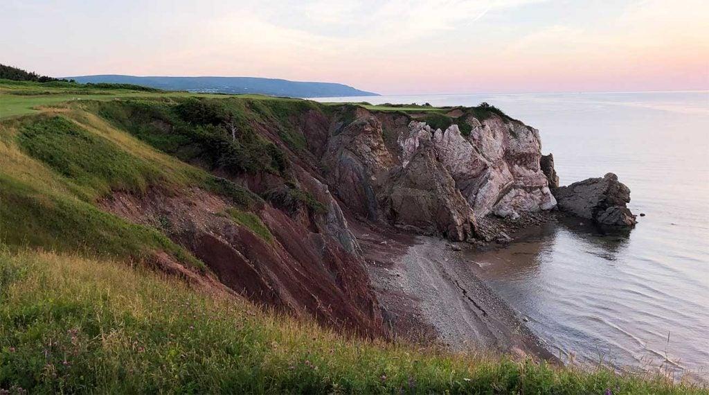 A view of the memorable par-3 16th hole at Cabot Cliffs.