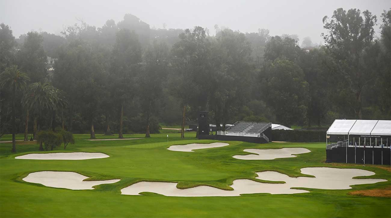 Is Riviera Country Club's 10th hole the greatest short par-4 in the world?