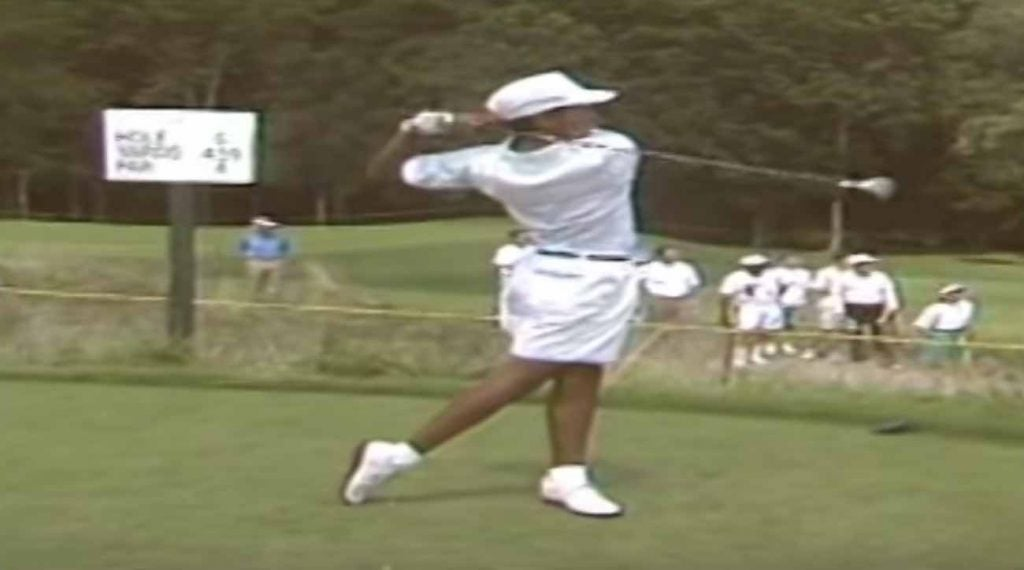 15-year-old Tiger Woods had a smooth, powerful swing.