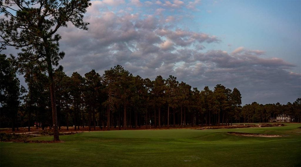 The 5th hole at Pinehurst No. 2.