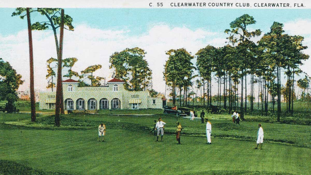 A postcard of Clearwater Country Club.