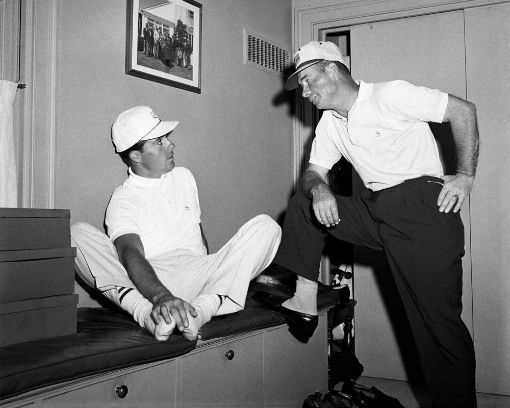 Gary Player and Sam Leonard in the locker room at the 1960 Masters.