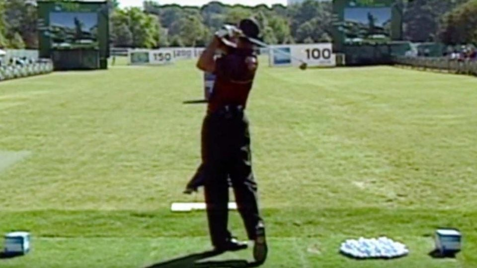 tiger woods teaching a clinic