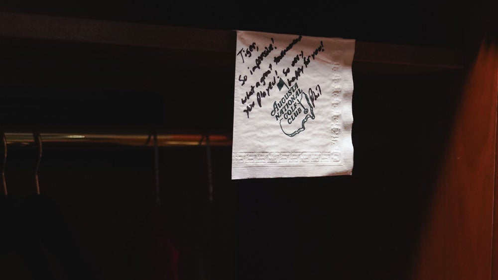 A note Phil Mickelson left Tiger Woods in his locker at the 2019 Masters.