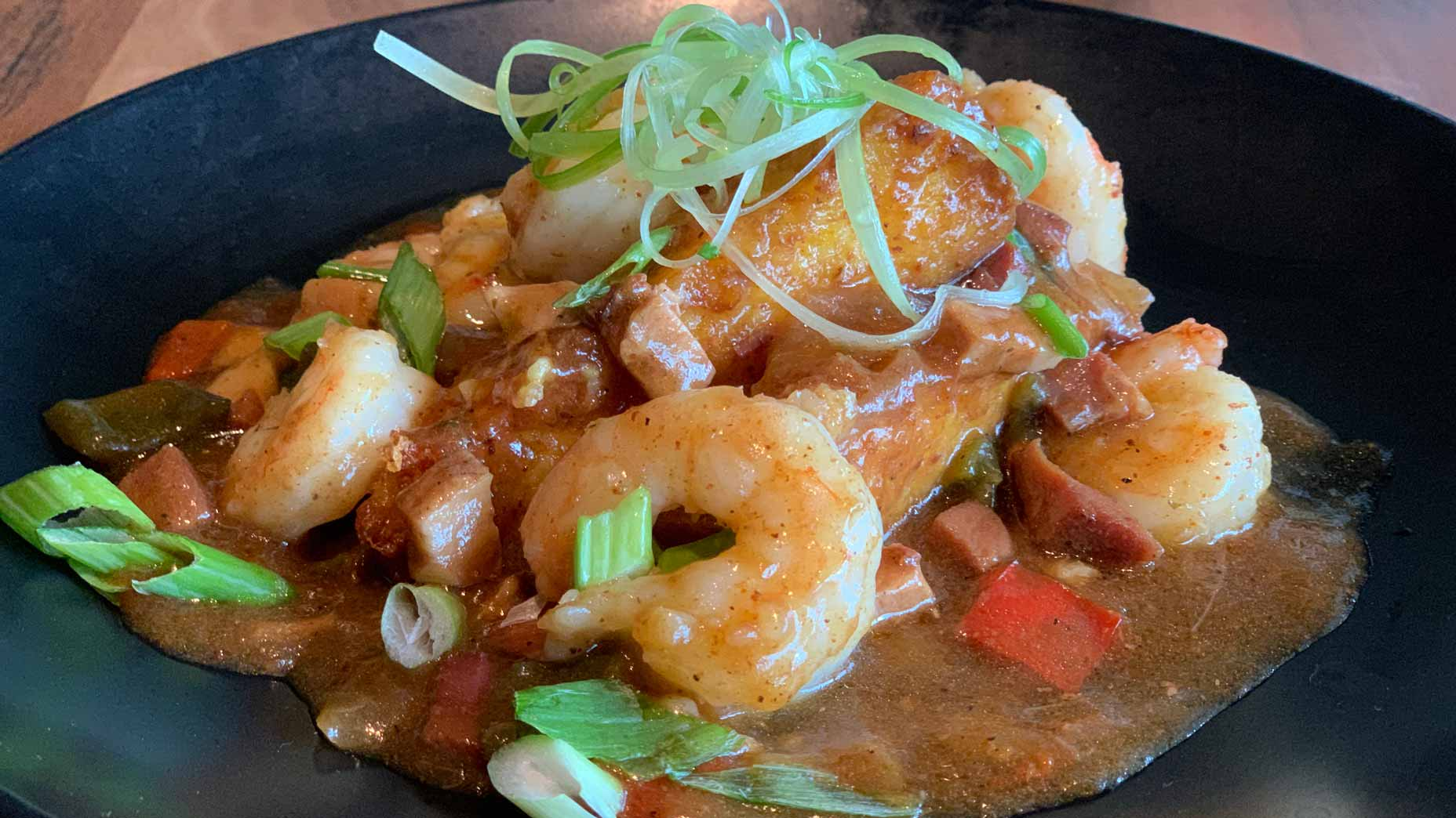Shrimp and grits in a pan