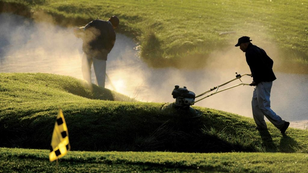 Here's how much it costs to maintain a golf course for a year