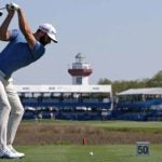 dustin johnson tees off harbour town