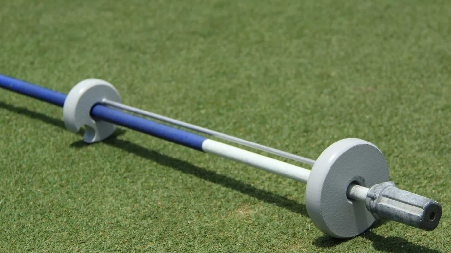 an example of the Putts-Up device on a flagstick
