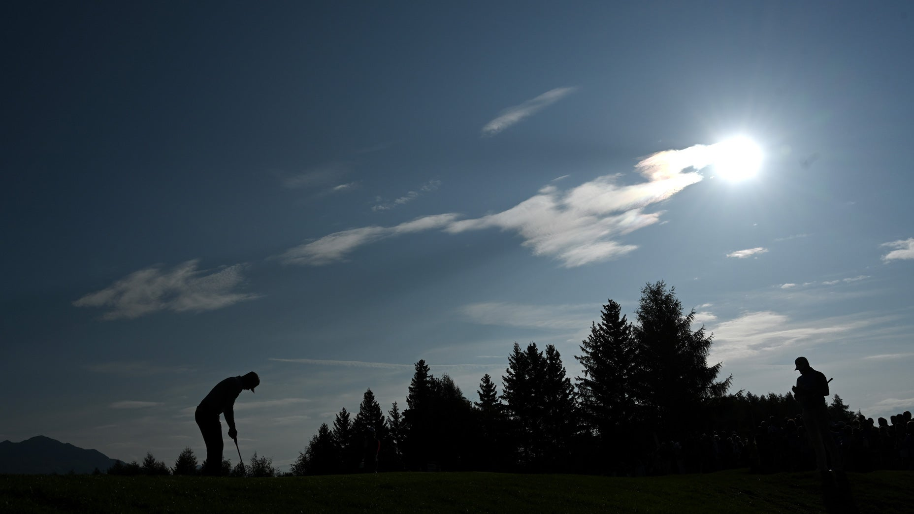 Golfers are playing more, but traveling less, a study finds