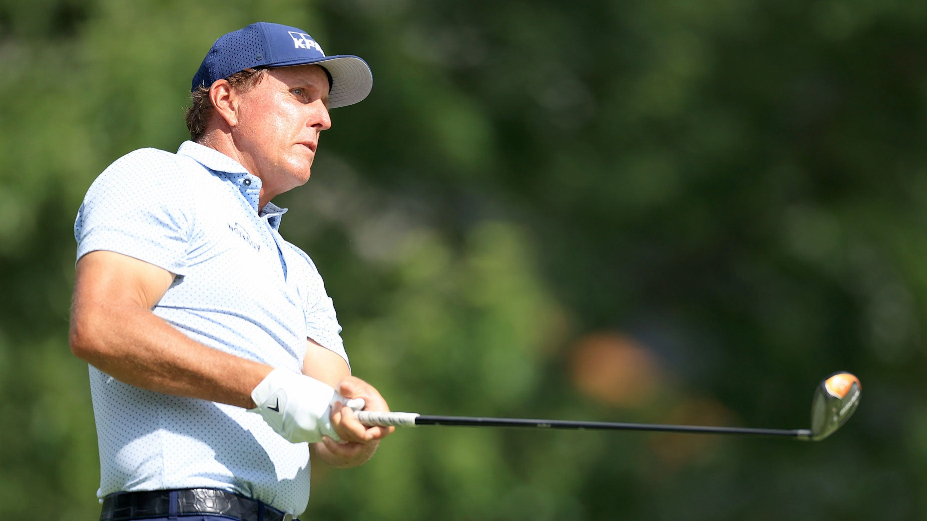 Phil Mickelson plugs his coffee as only Phil Mickelson can
