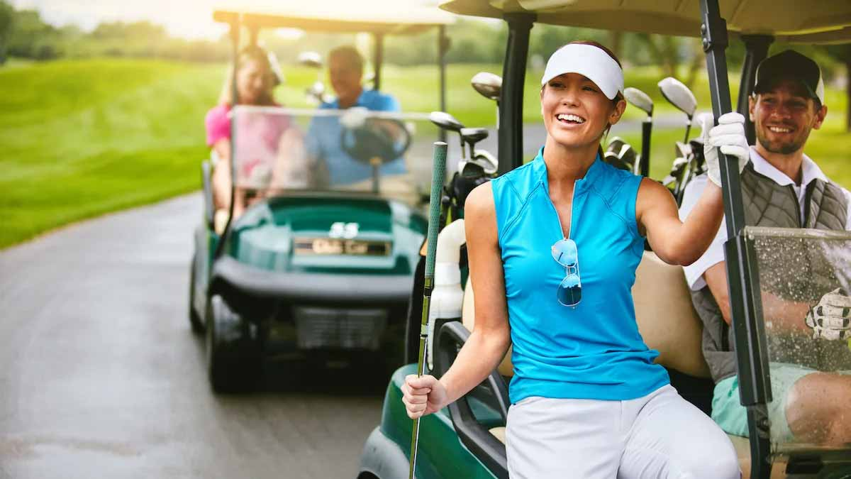 This is how many calories you burn playing golf (walking vs. riding)