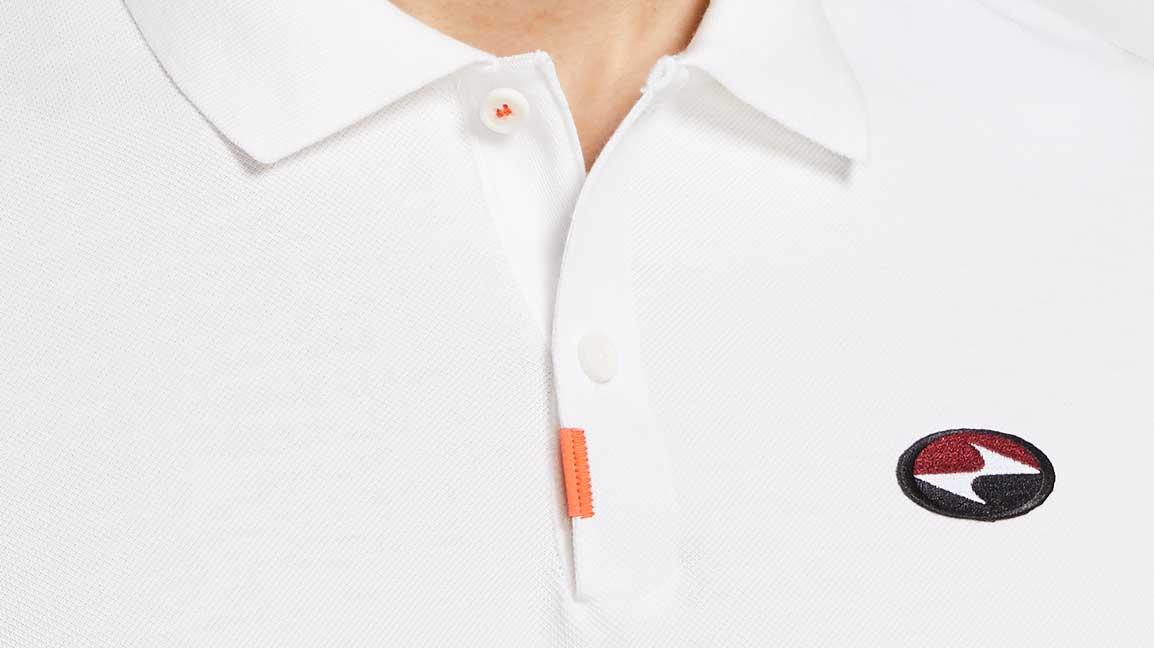 esquema Oceano Lobo con piel de cordero  The latest version of The Nike Polo commemorates the 'Tiger Slam'