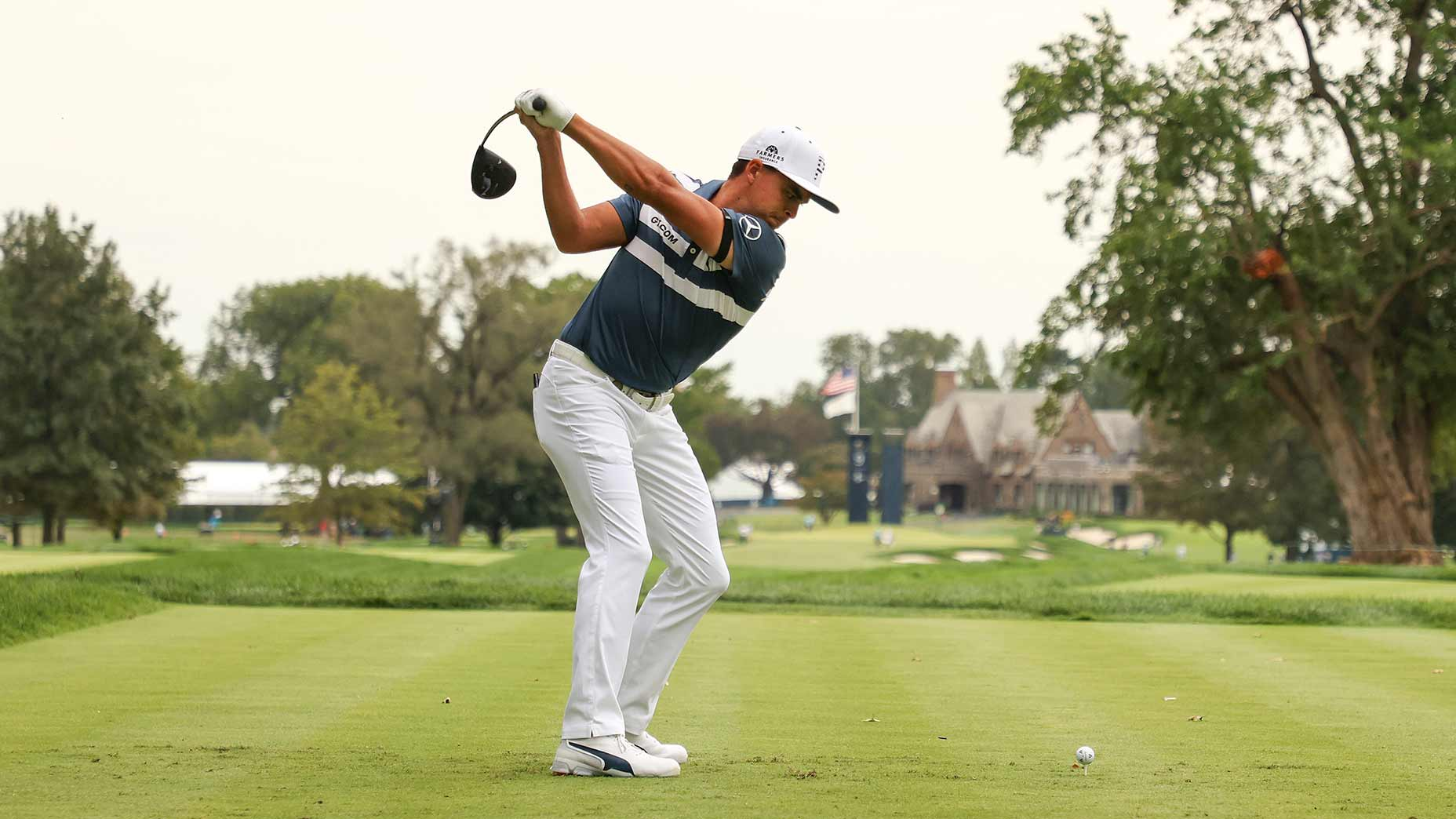 Rickie Fowler's mobility routine has helped him make some swing changes.