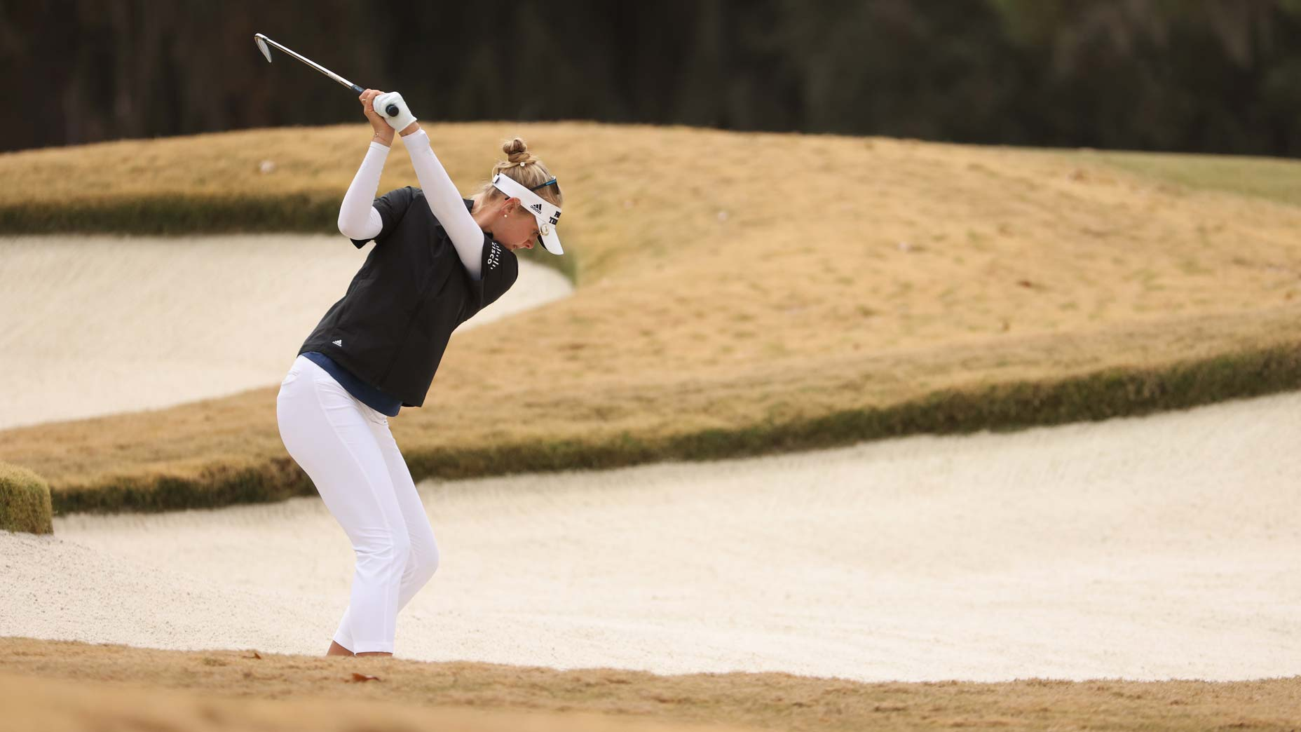 jessica korda hits from fairway bunker