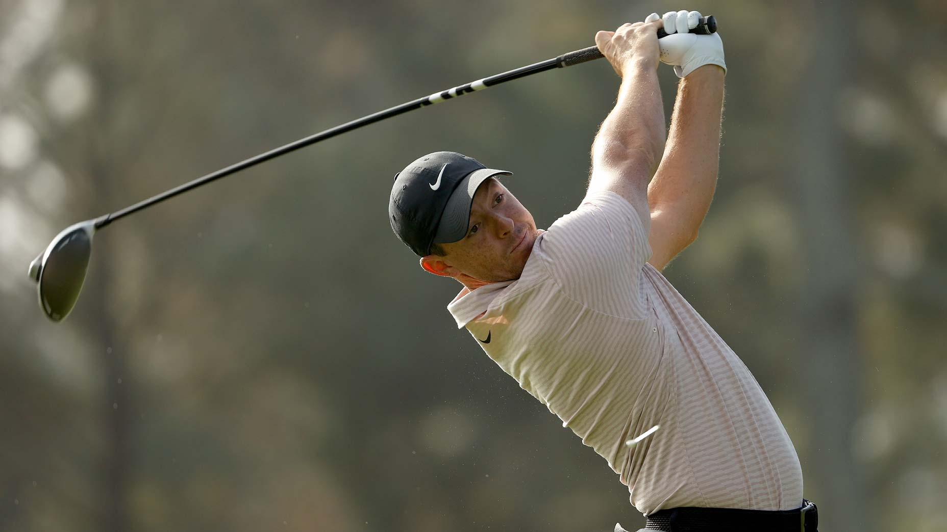 rory mcilroy hits drive