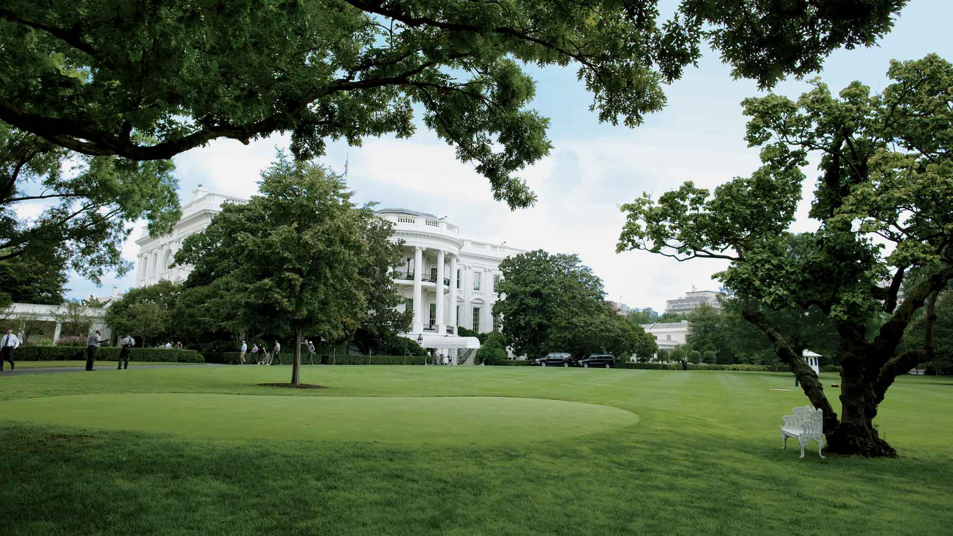 white house putting green