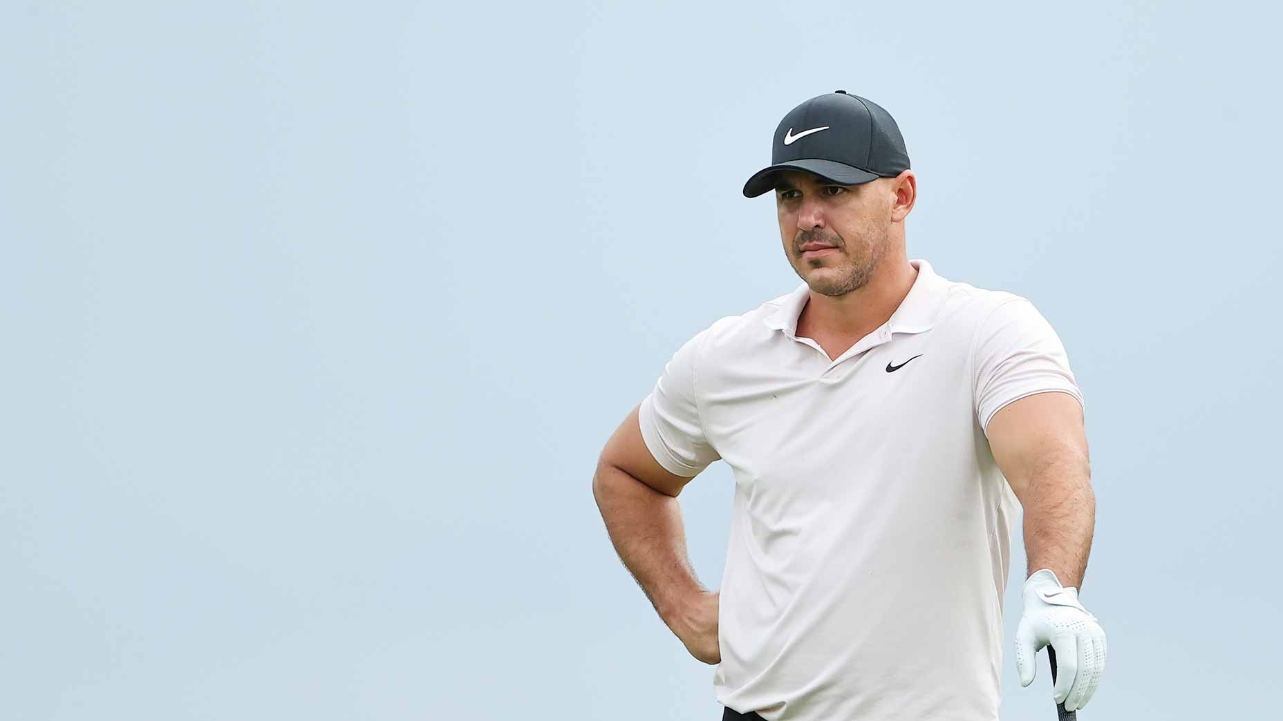 brooks koepka stares distance