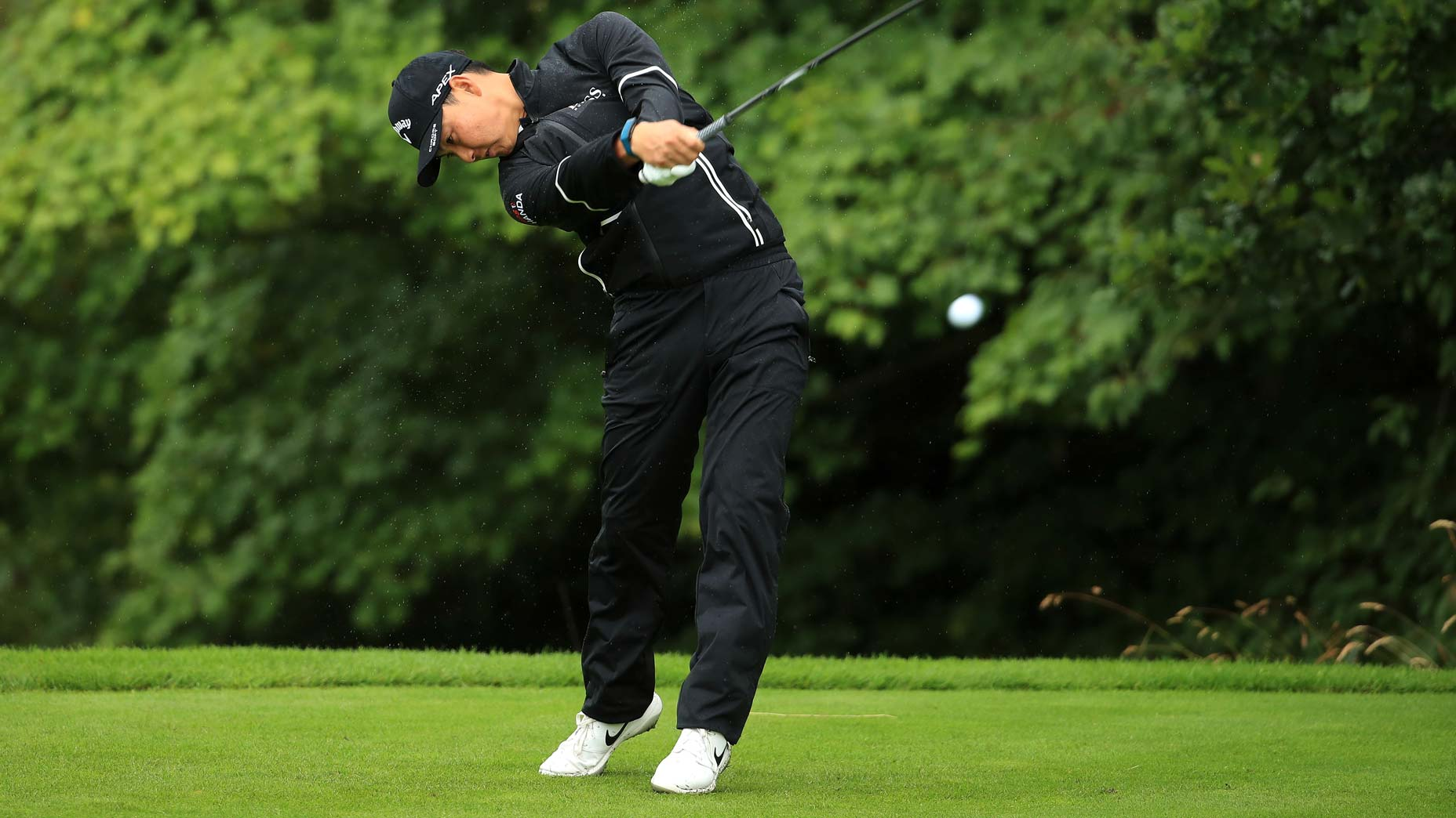 How to hit the perfect low stinger, according to a pro