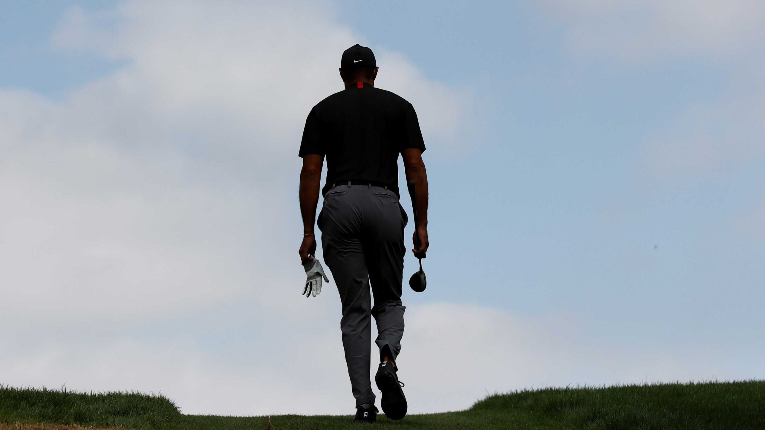 tiger woods walking