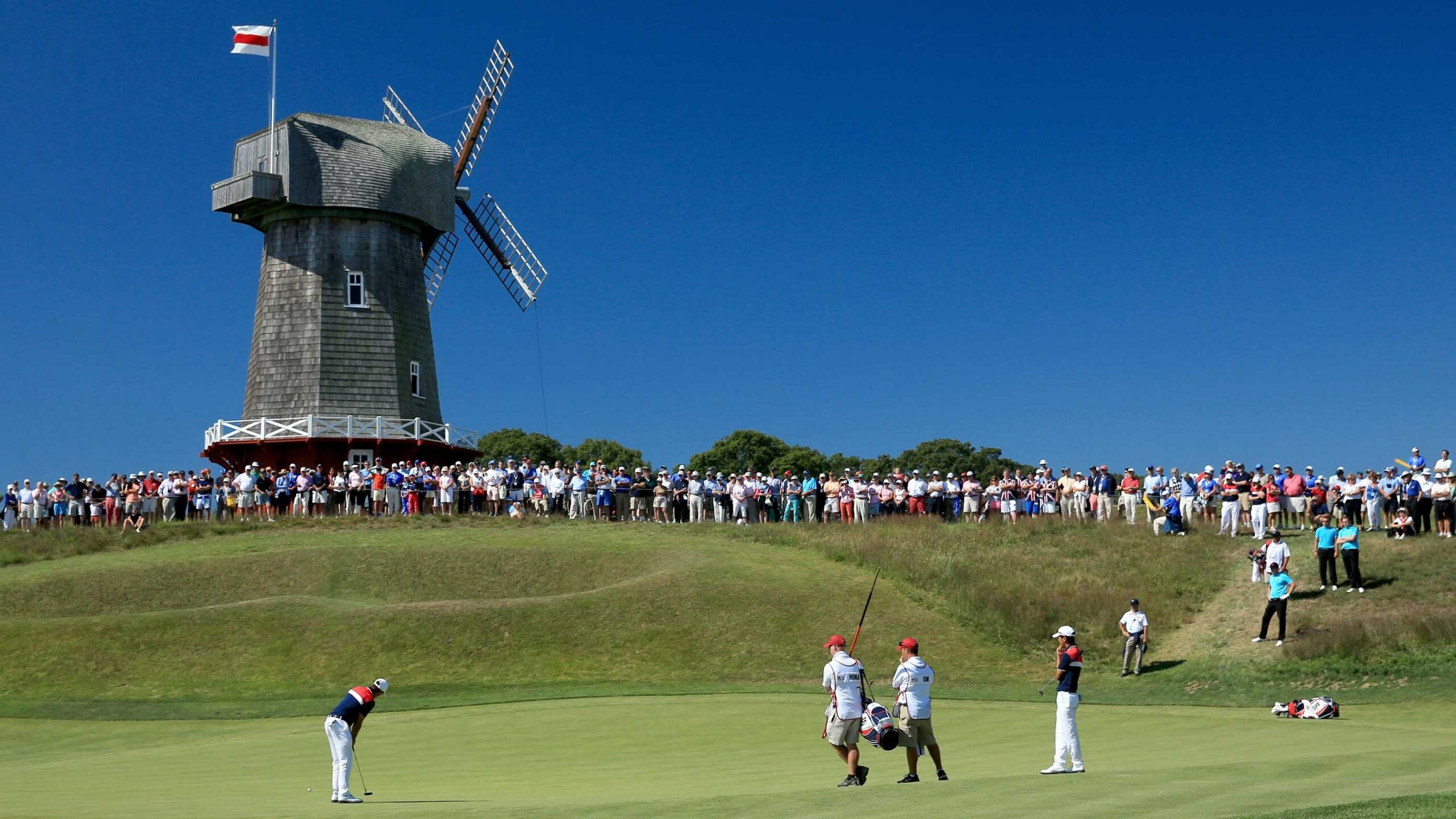 fans at 2013 walker cup