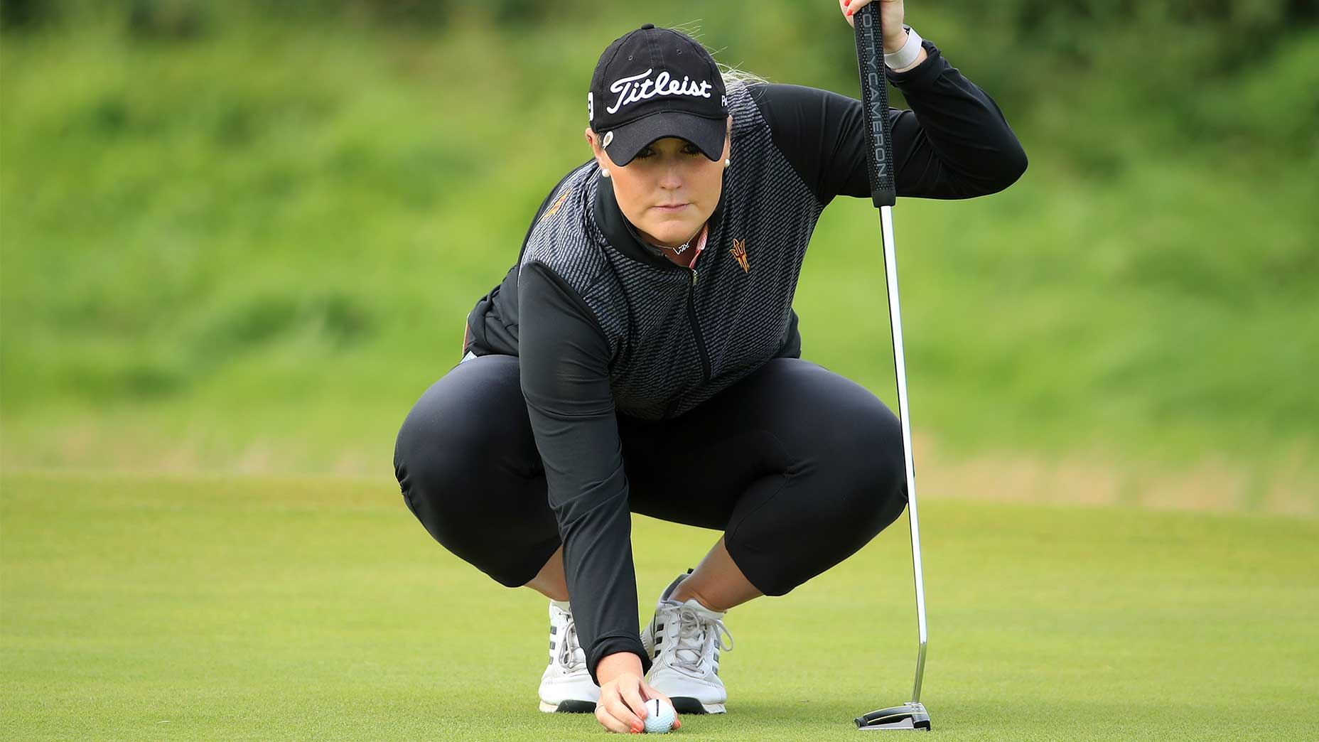 Olivia Mehaffey's swapped her Scotty Cameron Phantom 7 for a borrwed blade putter ahead of the ANWA.