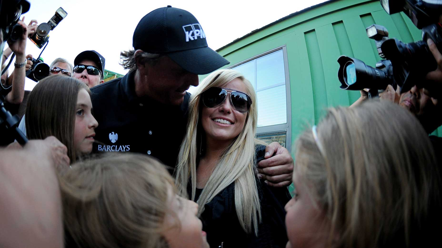 Amy and Phil Mickelson during Phil's victory at the 2010 Masters.