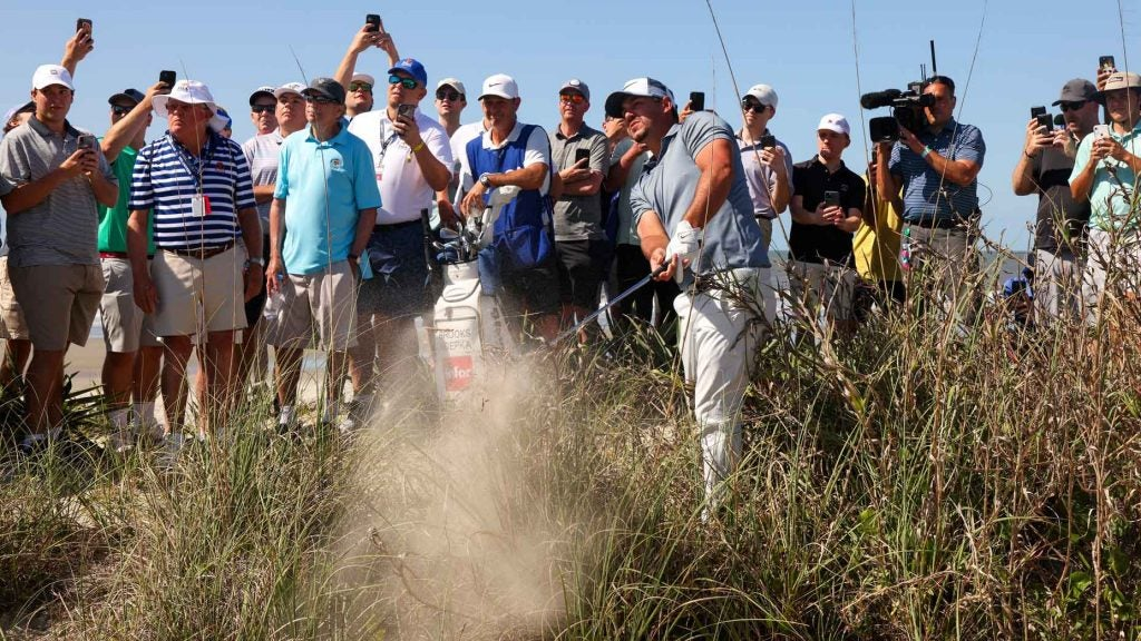 brooks koepka hits out of trouble