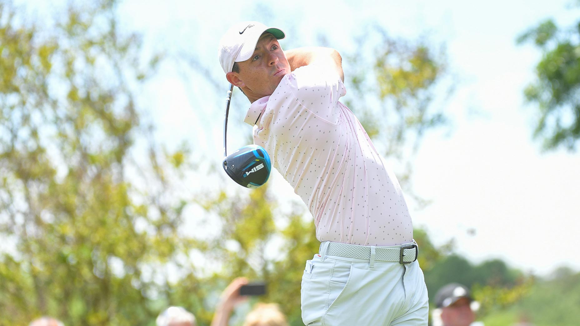 rory mcilroy swings driver