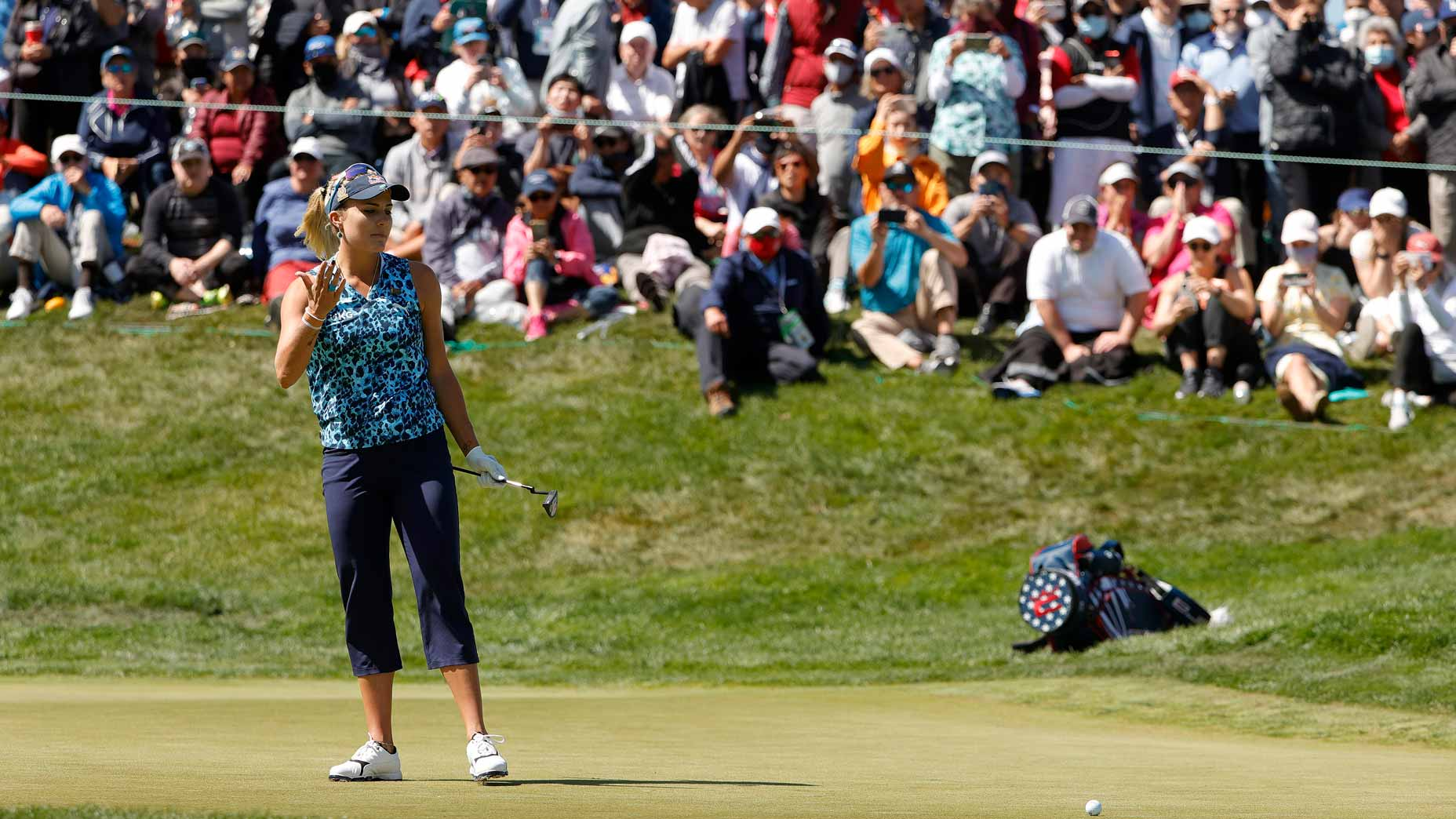 lexi thompson stands