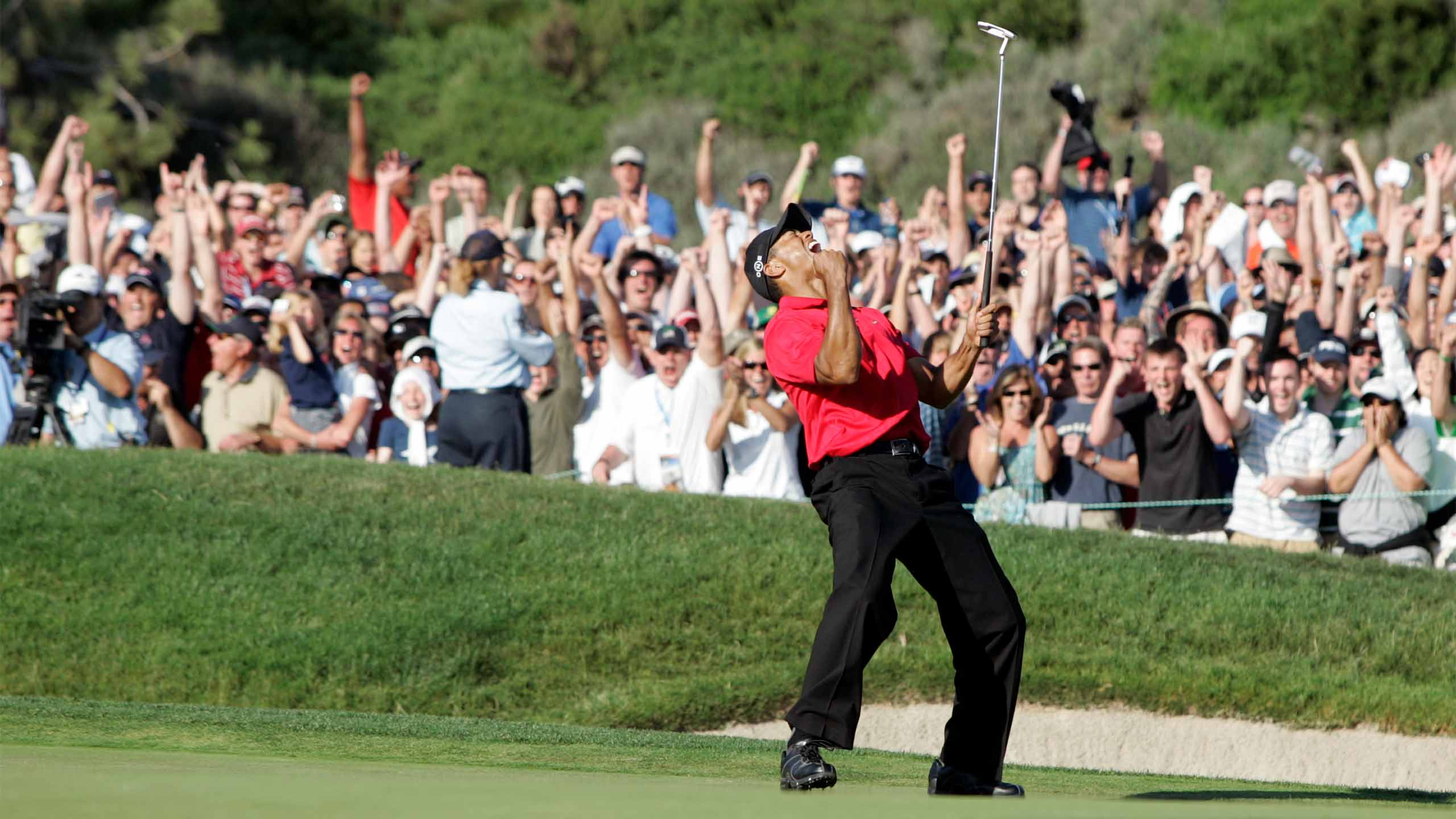Tiger Woods celebrates a birdie at the 2008 U.S. Open.