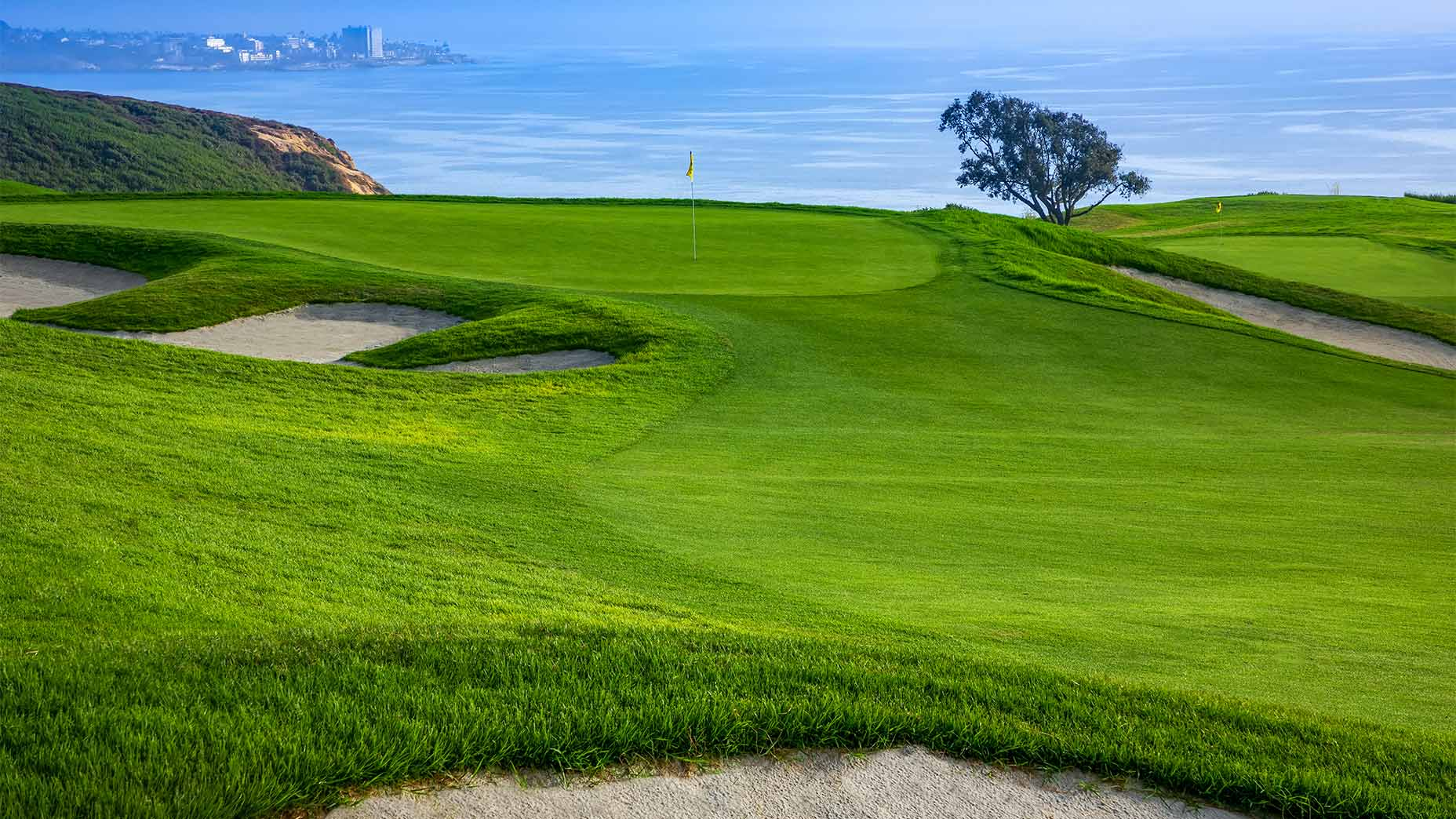 The 2nd hole at Torrey Pines south.