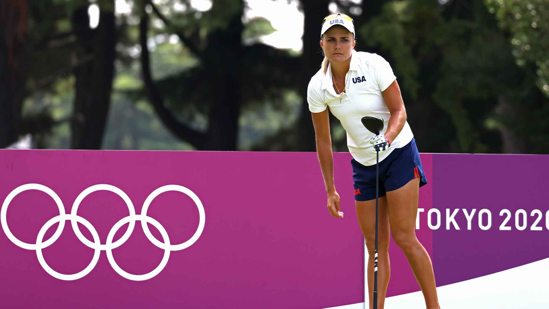 lexi thompson holds driver