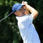 Jordan Spieth plays tee shot during 2021 Tour Championship at East Lake Golf Club