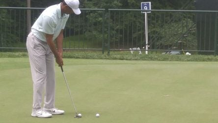 cc16edad16e2 Tiger Woods practicing with new TaylorMade mallet putter this week