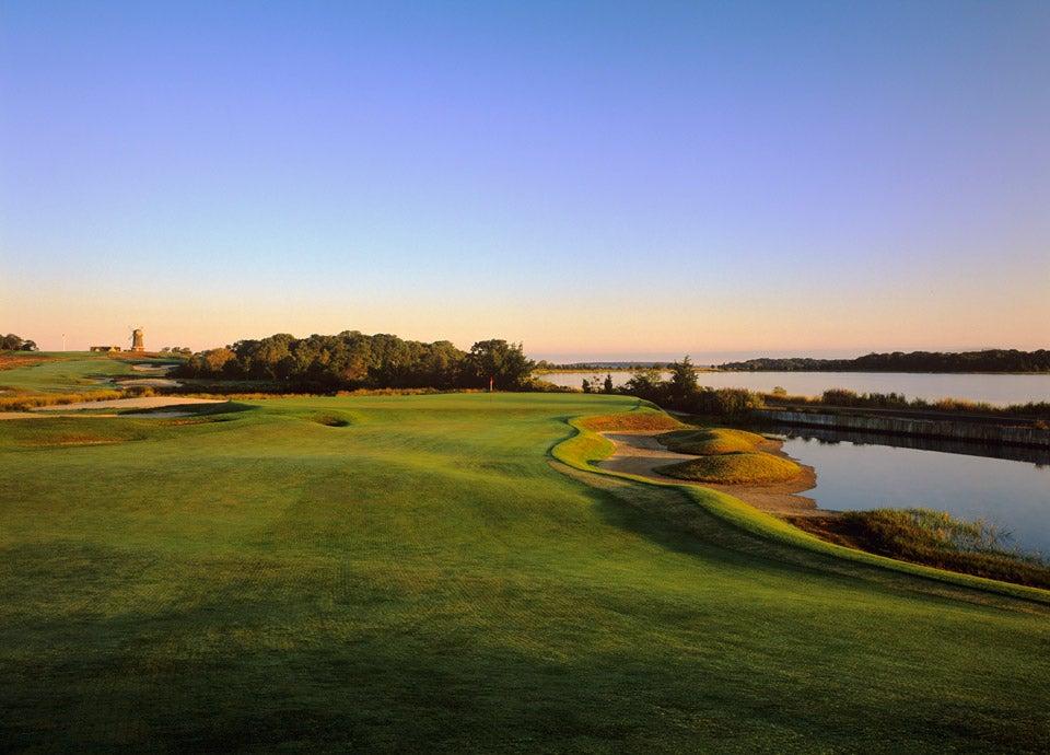 5. National Golf Links