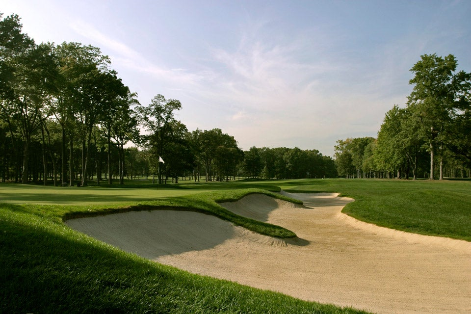 Frighteningly contoured, pear-shaped greens, cavernous bunkers and a procession of rugged par-4s define the trouble here. On a 'difficulty' scale of 1 to 10, Jack Nicklaus once rated this a 12.